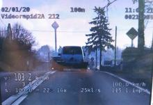 Przekroczył prędkość o 53 km/h, policjanci zatrzymali mu prawo jazdy na 7 kategorii
