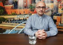 Jezuita o. Grzegorz Kramer przeprasza za swój wpis i usuwa swoje konta w social media
