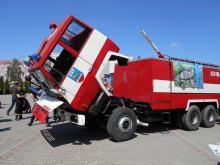 """Strażacy ochotnicy jeżdżą ponad 40-letnim Jelczem. Chcą utrzymać wóz """"przy życiu"""""""