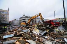 Dawny dworzec PKS już niemal zrównany z ziemią. Będą niespodzianki?