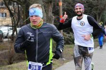 """650 biegaczy na starcie """"Tropem Wilczym"""" w Opolu"""