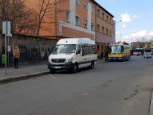 Autobusy zatrzymujące się na Duboisa trują mieszkańców spalinami i wyciekami