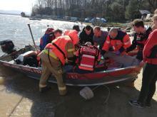 Mężczyzna wypadł z kajaka na Jeziorze Nyskim