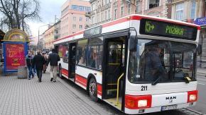 Kierowcy jednak nie pojadą autobusami MZK za darmo. Przynajmniej na razie