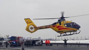 Wypadek na autostradzie A4. W akcji śmigłowiec LPR