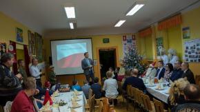 Mikołaj w mundurze u dzieci z Głogówka