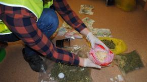 Policjanci rozbili grup� podejrzan� o przest�pczo�� narkotykow�