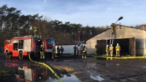 9 zastępów straży walczyło z pożarem kurnika w Chrząstowicach