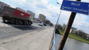 Za rok pojedziemy odnowionym mostem Pami�ci Sybirak�w?