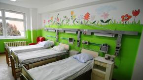 Pacjenci Oddziału Chirurgii Dziecięcej w Opolu mają bajkowe sale. Wszystko dzięki uczniom