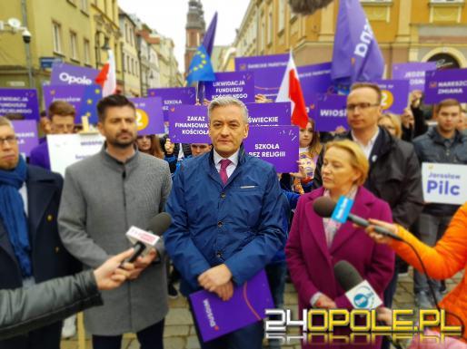 """Robert Biedroń w Opolu. """"Dziś przyszedł dzień, kiedy to my możemy wyspowiadać kościół"""""""