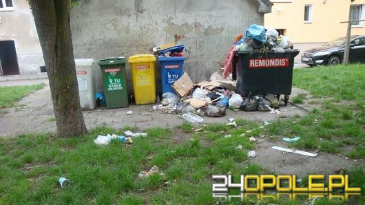 Zalegające śmieci na ul. Drzymały