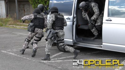 Policjanci zatrzymali czterech porywaczy