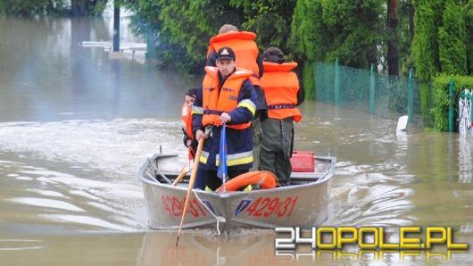 Opolscy ratownicy pomagają ofiarom powodzi