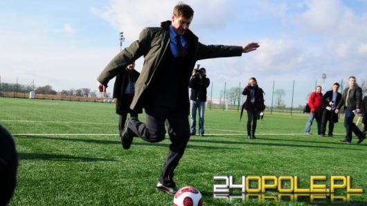 Prezydent Zembaczyński na murawie Centrum Sportu