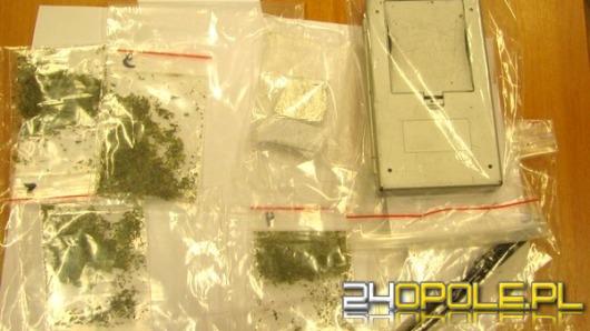 19-latek sprzedawał narkotyki nieletnim