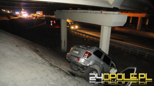 Cudem nie doszło do tragedii na autostradzie A4. Sprawca wypadku był pijany.