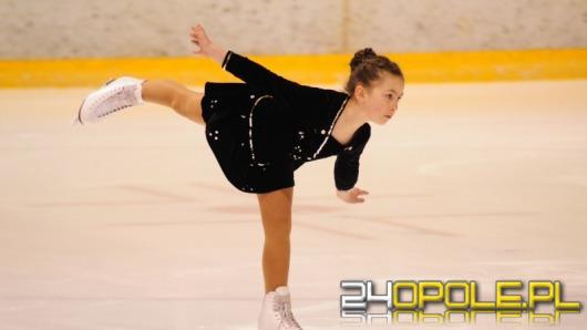 Młodzi zawodnicy łyżwiarstwa figurowego w Opolu