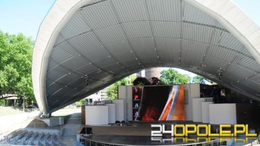 Ogromny ekran stanął w opolskim amfiteatrze