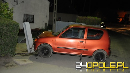 Pijany nastolatek bez prawa jazdy staranował bramę