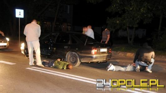 Amunicja i przedmioty z kradzieży, znalezione podczas policyjnej zasadzki
