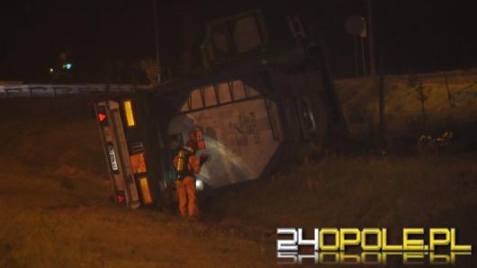 Wypadek cysterny, autostrada A4 zablokowana w obu kierunkach
