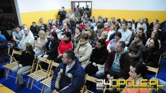 Ratusz przenosi MOPS do Groszowic. Mieszkańcy protestują