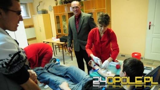 30 litrów krwi od uczniów mechaniczniaka