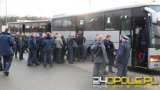 Opolskie służby mundurowe pikietują we Wrocławiu