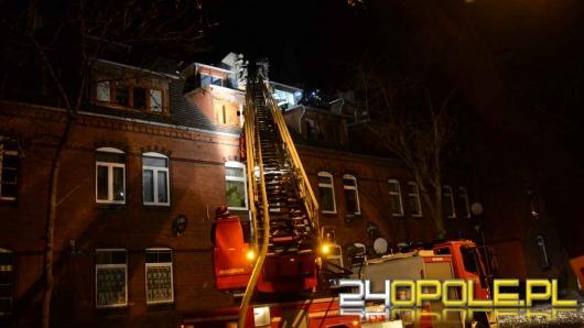 Pożar kamienicy w Brzegu, ewakuowano 16 osób