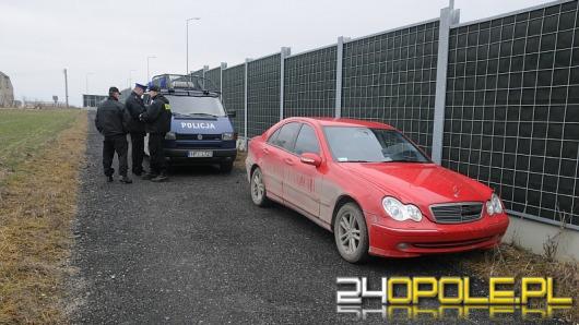Policjanci strzelali w kierunku 19-letniego złodzieja. Porzucił samochód