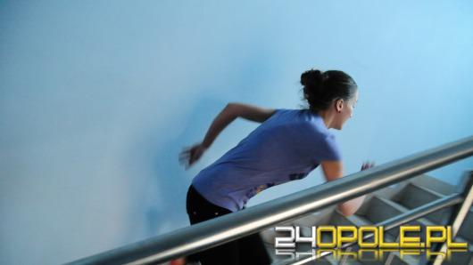 Tower running w Opolu. 11 pięter w 43 sekundy!