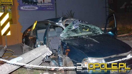 Pijany kierowca skosił latarnię w Brzegu