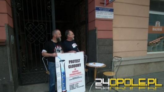 Protest głodowy w sprawie lekcji historii