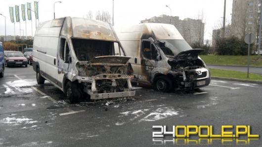 Dwa samochody spłonęły w nocy w Opolu