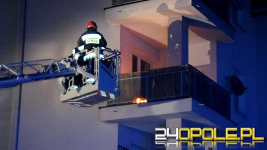 Pożar na balkonie bloku mieszkalnego