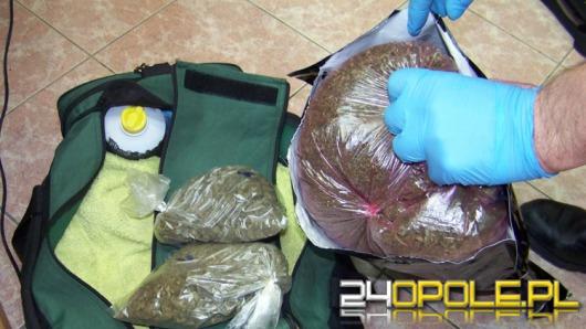 26-latek przewoził w torbie ponad kilogram marihuany