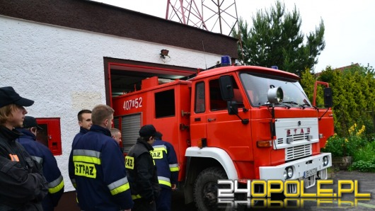 OSP Łosiów znów wyjeżdża do akcji. Wóz bojowy właśnie wrócił z naprawy.