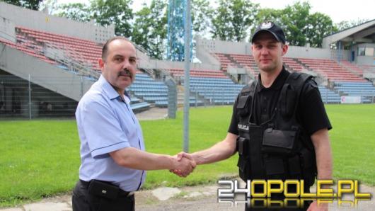 Odra Opole wdzięczna policjantowi za uratowanie piłkarza