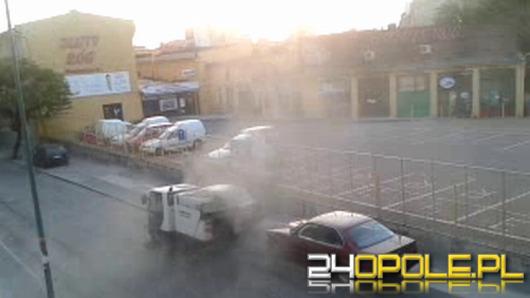 Samochody i okna mieszkań w kurzu! Tak się sprząta ulice Opola.