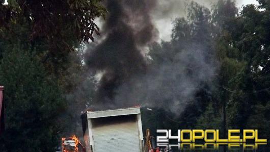 W Karczowie spłonęła ciężarówka z piwem