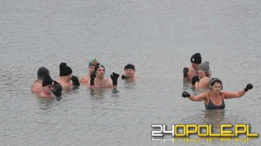 Temperatura poniżej zera? Dla nich najlepsza do kąpieli!