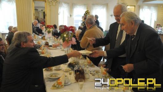 Seniorzy opolskiego rzemiosła spotkali się na opłatku
