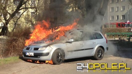 Samochód spłonął na Placu Kazimierza