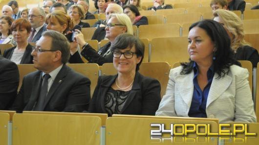 Minister edukacji w Opolu: Dyplom wyższej uczelni niewiele dziś znaczy