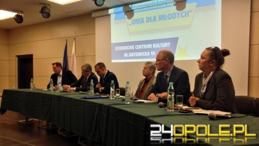 Studenci przepytywali kandydatów do europarlamentu