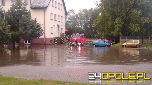 Nawałnice na Opolszczyźnie. Strażacy usuwają szkody.