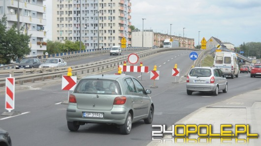 Estakada nad rondem zamknięta, kierowcy stoją w korkach