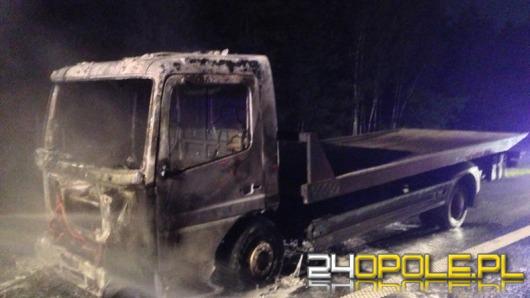 Ciężarówka spłonęła na autostradzie A4
