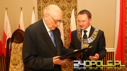 Władysław Bartoszewski Honorowym Obywatelem Miasta Opola